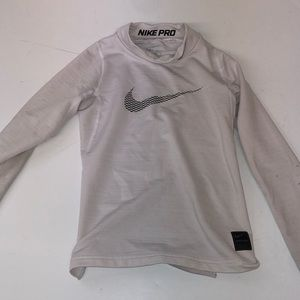 Little boys Nike pro long sleeve shirt youth small